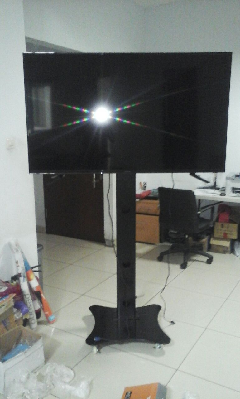 Bracket TV Standing Floor Technica 1 Tiang 32″-50″