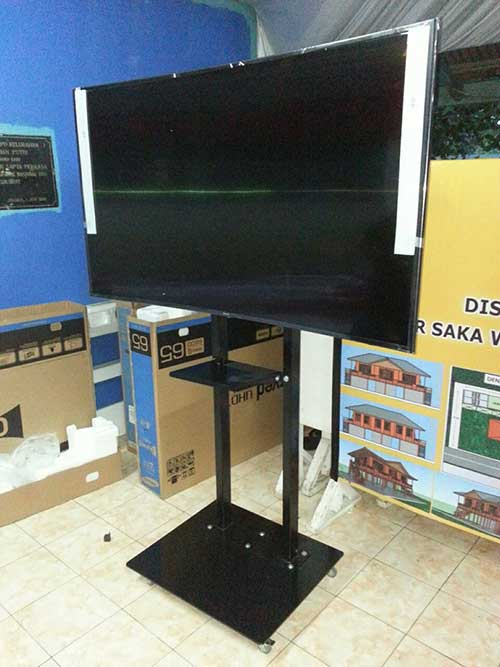 Standing Bracket -Technica-2-tiang TV 42-75 inch