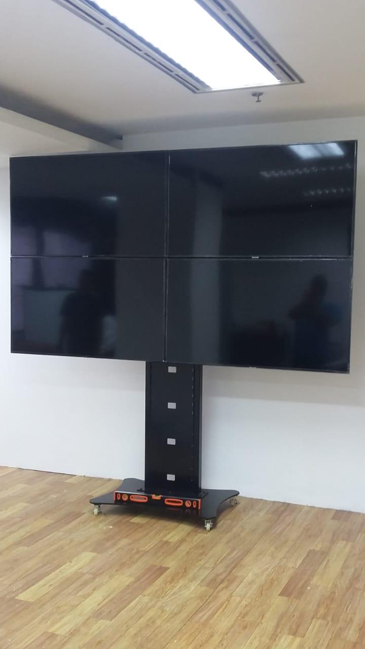 Video Wall 2x2 Bracket TV