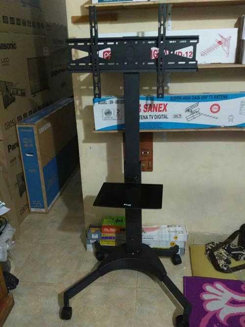 Bracket-TV-Standing-Kenzo-KZ52-1